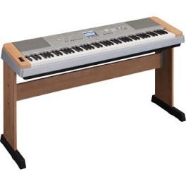 Piano Yamaha DGX-640