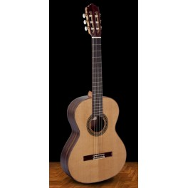 Guitare classique 4/4 Paco Castillo finition brillante